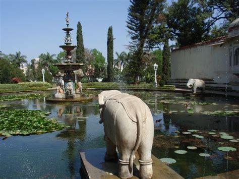 Garten Der Jungfrauen Udaipur by Udaipur Stadtpalast Lake Palace Hotel Jaghdish Tempel