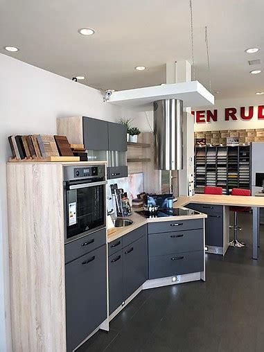 Ruder Küchen Hamburg by Nobilia Musterk 252 Che Moderne K 252 Chenzeile Mit Miele
