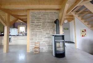 les maisons en bois oregon sinstallent partout en france With mur en pierre apparente interieur