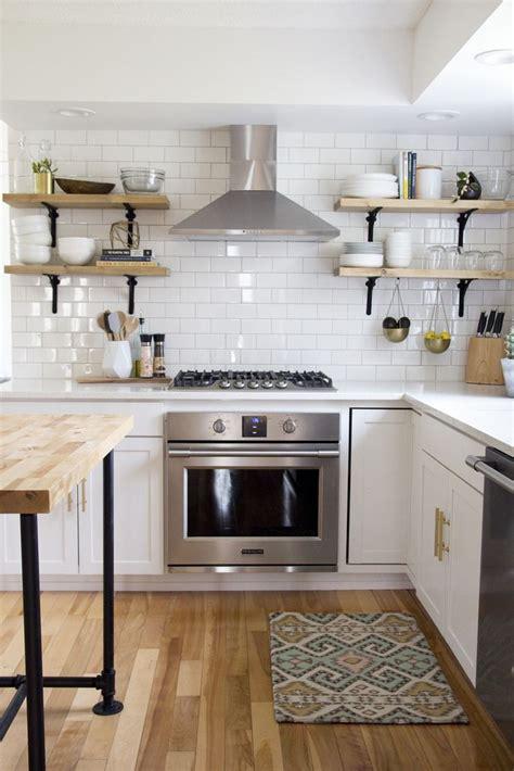 how to choose tiles for kitchen best 25 subway tile backsplash ideas only on 8535