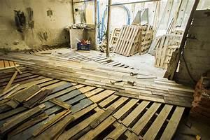 Terrasse Avec Palette : diy comment faire une terrasse en palettes de bois ~ Melissatoandfro.com Idées de Décoration