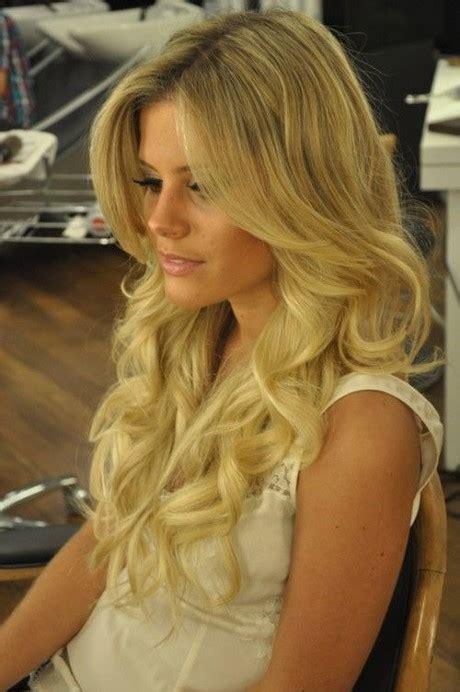 permanente cheveux long grosse boucle