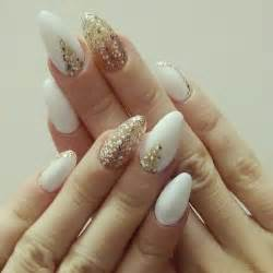 wedding ideas for fall 35 and amazing white and gold nail designs