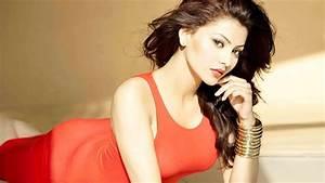 Bollywood Actress Urvashi Rautela Full Hd 1080p Wallpaper