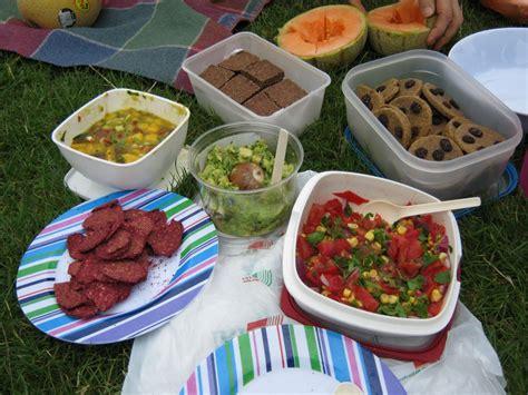 picnic snacks picnic food ideas picnic s pinterest picnic foods picnics and food ideas