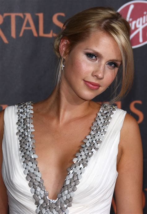 hot tv babe  weekclaire holt