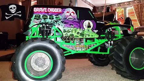 monster trucks youtube grave digger grave digger rc monster truck youtube