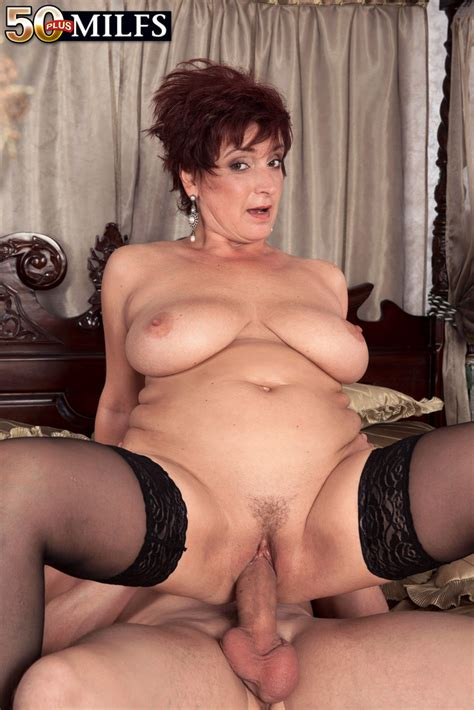 Mature Lady Jessica Hot Seduces A Younger Gentleman In Her