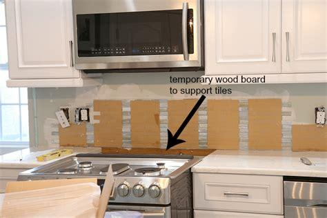 installing mosaic tile backsplash kitchen installing a paper faced mosaic tile backsplash 7556