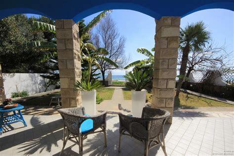 liare casa con veranda la casa la casa sulla spiaggia b b cagliari