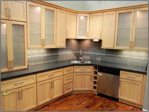 Wall Color For Natural Maple Kitchen Cabinets