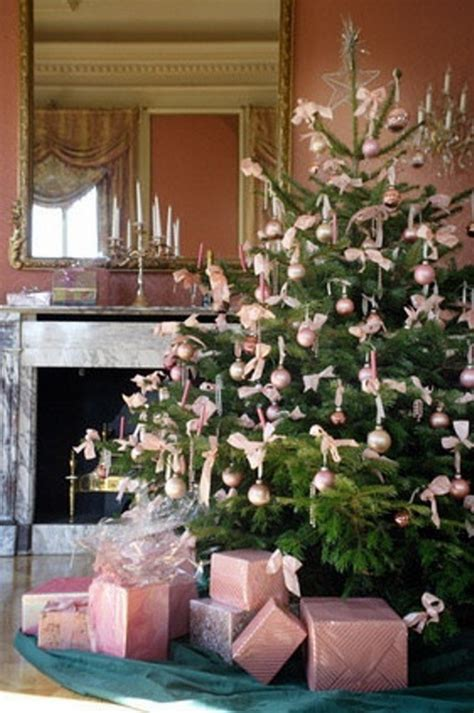 pretty christmas trees decorated beautiful christmas tree decorating ideas for a holiday tradition family holiday net guide to