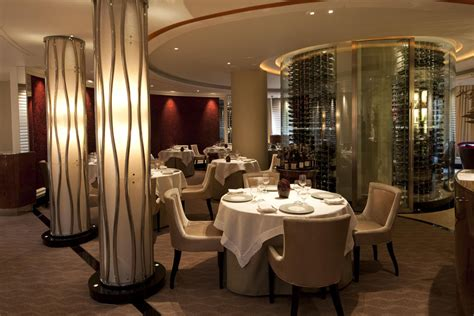 gordon ramsay cuisine en famille gordon ramsay opens newest restaurant petrus