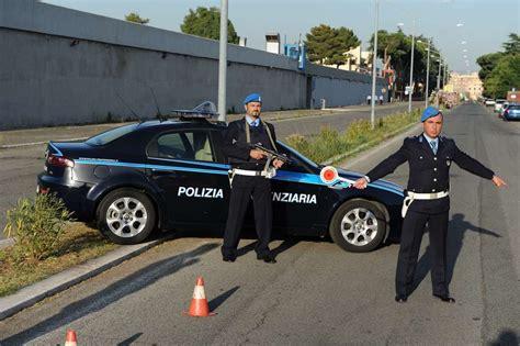 Ufficio Concorsi Polizia Penitenziaria by Corpo Di Polizia Penitenziaria Gallerie
