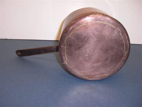 antique small copper pot  handle  sale antiques