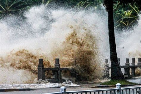 tropical cyclones   asian countries weather  storm brink  edge  risk