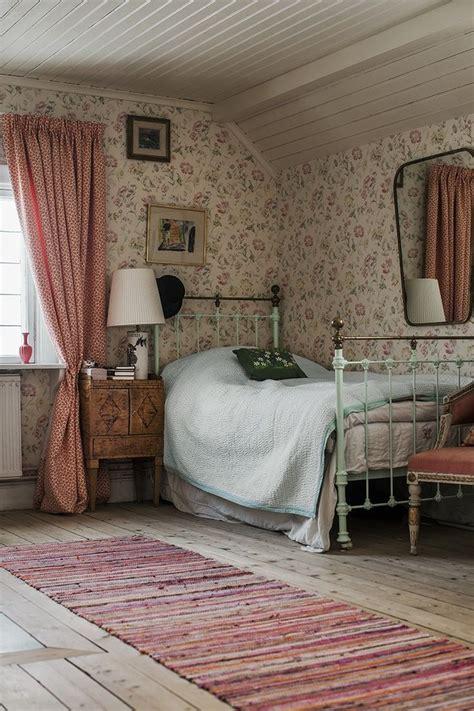 dormer bedroom ideas best 25 dormer bedroom ideas on slanted