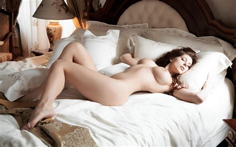 Beautiful Erotic For The February Weekend Photos The Fappening Leaked Nude Celebs