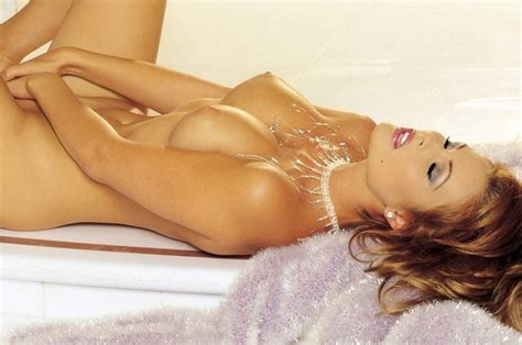 Cindy Crawford Nude Iconic Model Is An Art Scandal