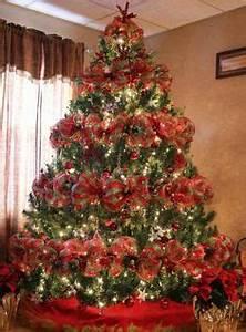 Geschmückte Weihnachtsbäume Christbaum Dekorieren : weihnachtsbaum dekoration idee blumen indoor christmas in red pinterest ~ Markanthonyermac.com Haus und Dekorationen