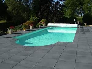 dallage et margelles gamme vendee ton gris en pierre With beautiful comment poser des margelles de piscine 18 terrasse jardin pierre