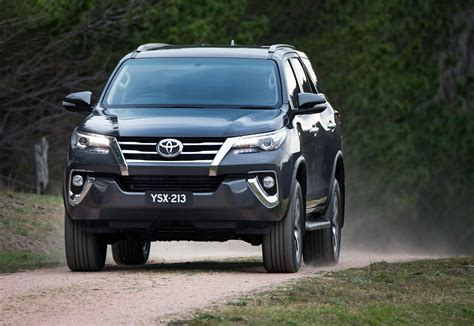 Toyota Fortuner Photo by New Toyota Fortuner Photo Gallery Car Gallery Suv