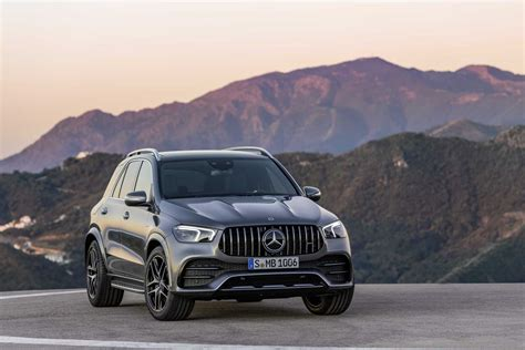 Our comprehensive reviews include detailed ratings on price and features, design, practicality, engine. 2020 Mercedes-AMG GLE 53 4MATIC+ (Images, price, performance and specs) - CarsMakers