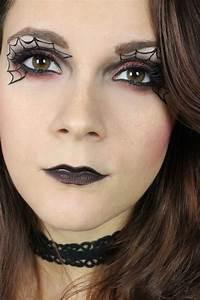 Schminken Zu Halloween : die besten 25 kinderschminken hexe ideen auf pinterest hexen verkleidung schminken hexen ~ Frokenaadalensverden.com Haus und Dekorationen