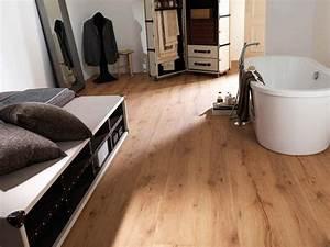 parquet salle de bains stratifie en 24 photos inspirantes With parquet chene salle de bain