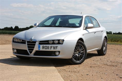 alfa romeo  saloon review   parkers