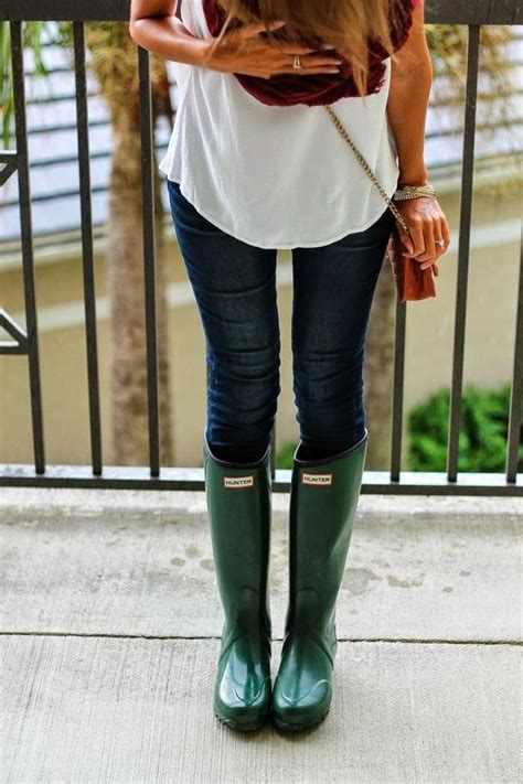 green hunter boots ideas  pinterest rainy day outfit  work pretty green