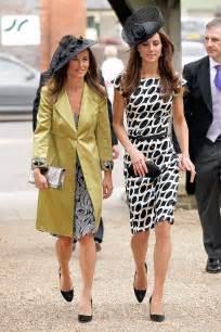 robe de mariã e kate middleton kate pippa middleton together in bucklebury huffpost uk