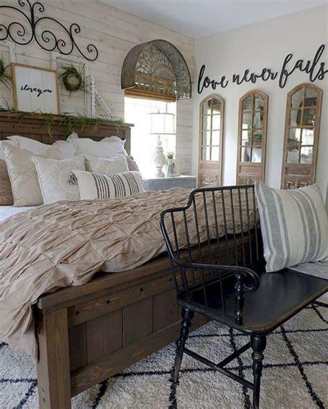 53 farmhouse wall decor ideas for bedroom 43
