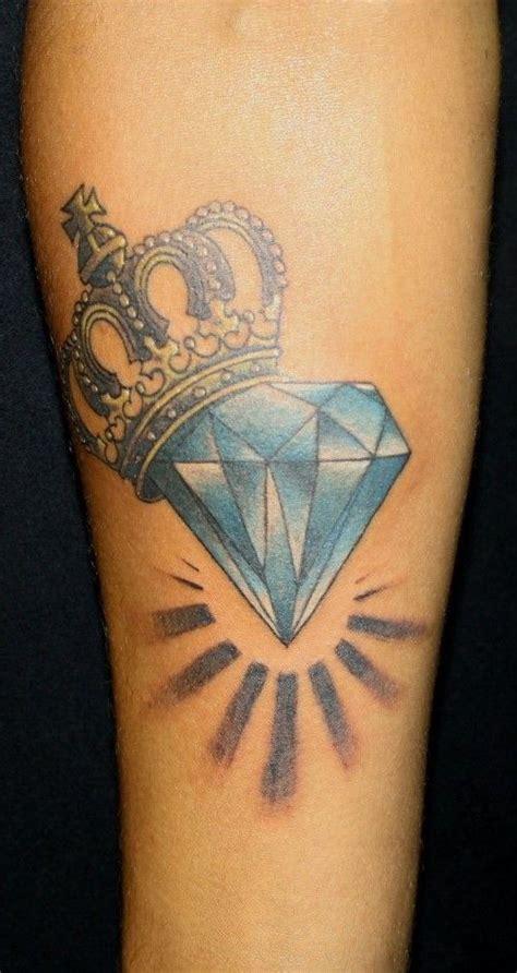 tatouage couronne homme dessin diamant et couronne pour un tatouage https egrafla fr 2016 02 05 modele tatouage