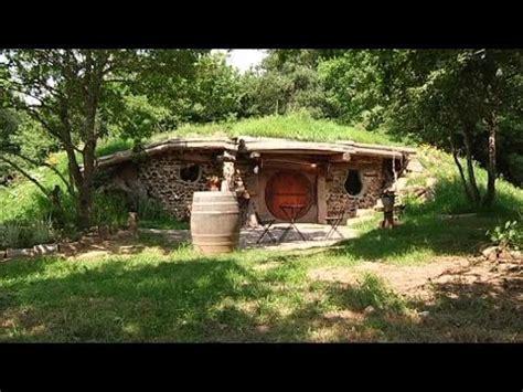 dormir dans une maison de quot hobbits quot c est possible 28 07