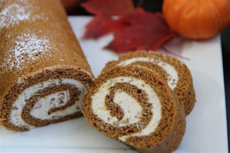 pumpkin cake roll easy pumpkin cake roll recipe w cinnamon pecan cream cheese filling divas can cook