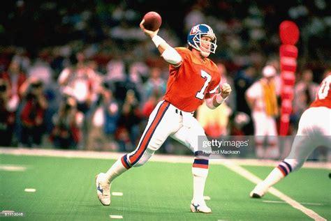Super Bowl Xxiv Denver Broncos Qb John Elway In Action