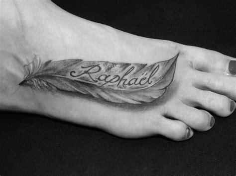 tatouage plus avec pr 233 nom sur pied femme pied femme