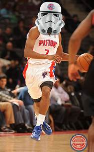 Brandon Knight gets fitted for an extra special Mask ...