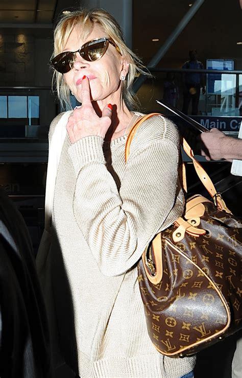 celebrities   bags  carried  fly   lax  summer purseblog