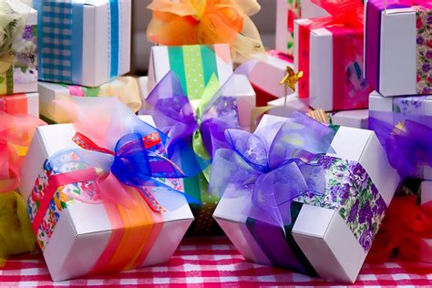 Read Blog On Search For The Amazing Gifts For Her- Make