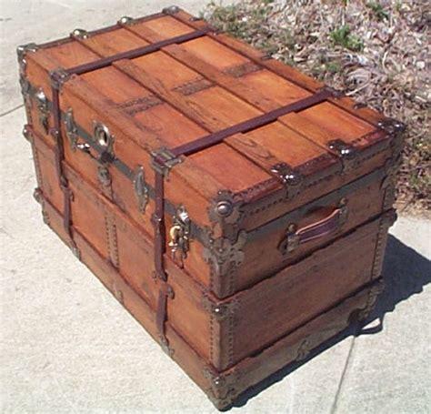 restored steamer trunks  sale  wood leather
