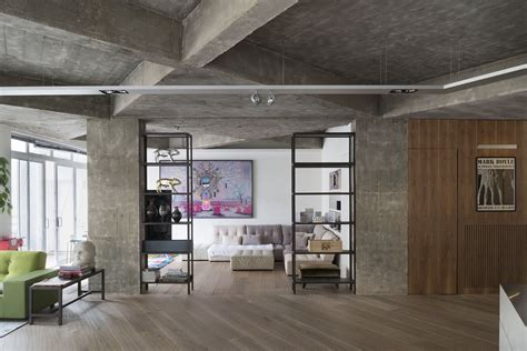 Concrete Charisma: Stunningly Refurbished Modern