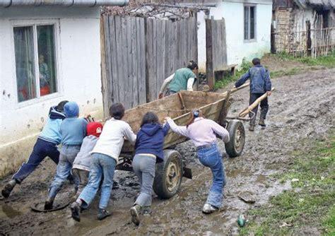 Institutiile Uniunii Europene   Toate Drepturile Rezervate - ScoalaOnline Romania
