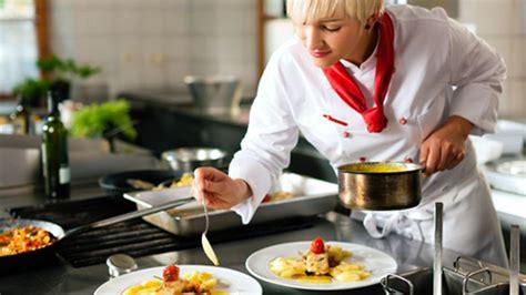 metier autour de la cuisine métiers de la restauration comment devenir cuisinier