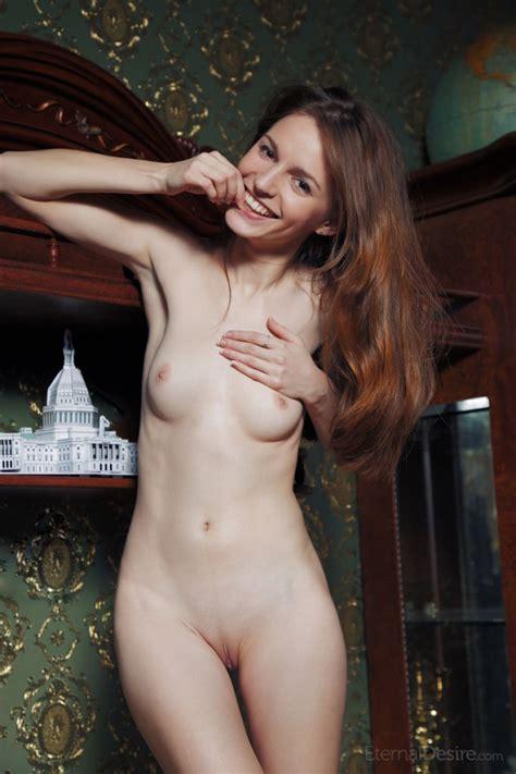 Sofi Shane Sweetie Shows Pussy