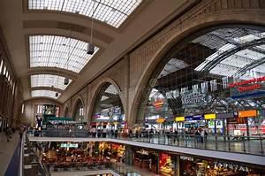 Shoppen In Leipzig : hauptbahnhof leipzig alemanha foto editorial imagem 16705726 ~ Markanthonyermac.com Haus und Dekorationen