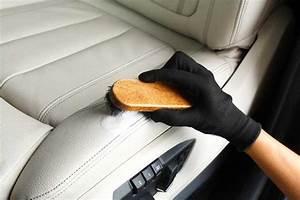 Comment Nettoyer Des Sièges De Voiture : technique de pro pour nettoyer les si ges en cuir de voiture ~ Melissatoandfro.com Idées de Décoration