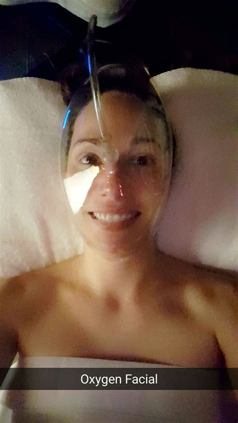 Light Therapy Acne Mask While Pregnant