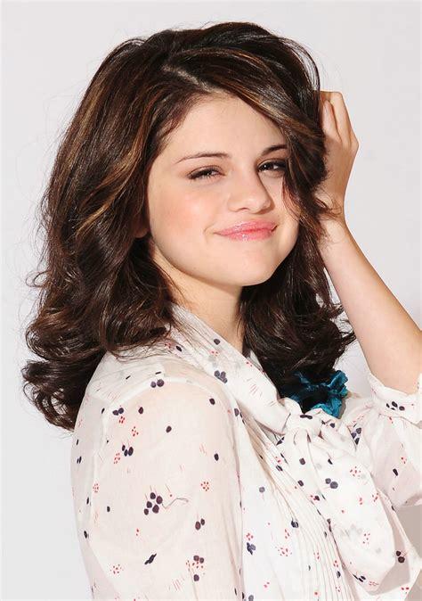 selena gomez short hair 2011